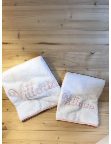 Coppia asciugamani in spugna con nome...